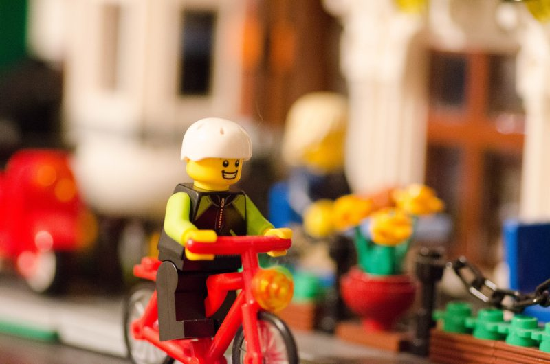 LEGO Goes to Hemp Plastic by 2030 (The Kids Are Going Green